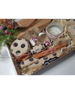 Top to Toe big Rose gift BOX ( Souflee, Candle, 3x Bath bomb,body butter, 3x soap,face peeling soap praline)
