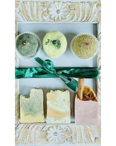 Be GREEN, Spices and Herbs all in to the Natural bathing Products 2x Face Scrub, 3x Soap Bars, 1x Bath Macaron, GO GREEN GIFT BOX