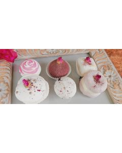 Cute Little Things make our day Set of 6x Rose bath and Body care assorted pralines